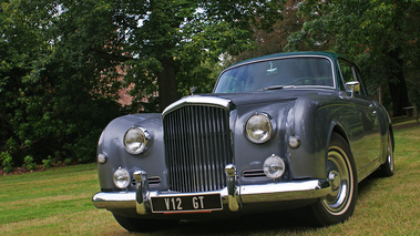 Bentley Continental S1 gris Anvers 3/4 avant gauche