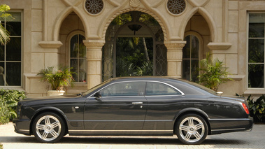 Bentley Brooklands Noire Profil