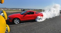 Ford Mustang GT rouge profil burn