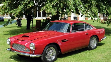 Aston Martin DB4, 3-4 avg, rouge