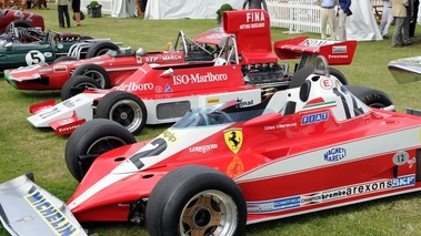Ferrari 312T3 rouge, 3-4 avg