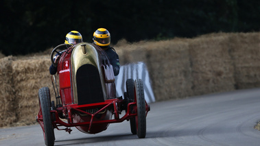 Goodwood Festival of Speed 2017 - ancienne rouge face avant