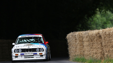 Goodwood Festival of Speed 2017 - BMW M3 E30 blanc face avant