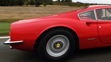 Ferrari 246 GT Dino rouge jante travelling