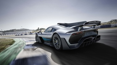 Mercedes AMG Project One gris 3/4 arrière gauche travelling
