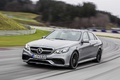 Mercedes E63 AMG MY2013 anthracite 3/4 avant gauche travelling