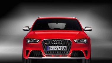 Audi RS4 Avant rouge face avant