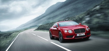 Bentley Continental GT V8 rouge 3/4 avant droit travelling penché 2