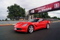 Chevrolet Corvette C7 Stingray rouge 3/4 avant gauche travelling 3