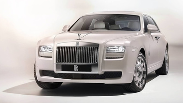 Rolls-Royce Ghost Six Senses - blanc - avant