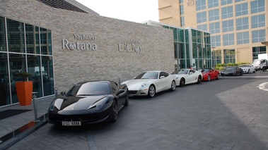 Abu Dhabi - line-up hôtel